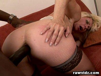 Image Fazendo sexo no cu da coroa bunduda