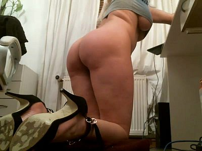 Bigtits Blonde Cammodel video: cam01