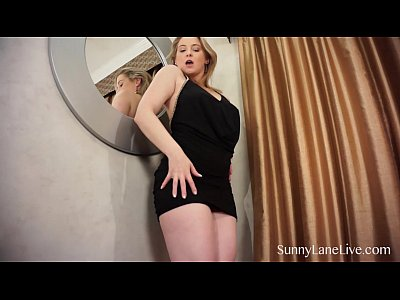Masturbation Boobs porno: Sunny Lane Teasing Her Wet Pussy!