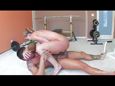 Blonde Cumshot Facial video: Avy Scott fucks War Machine