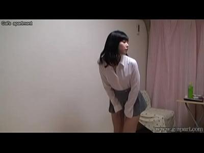 すっげ~可愛い女子校生の妹の着替えをモニタリングする変態兄