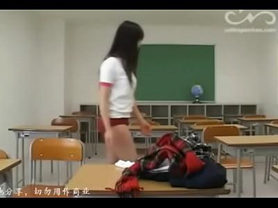 黒髪パッツンロングの清純ブルマJKが意地悪そうな女教師から…