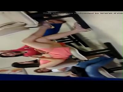 Flagra Real das Gostosas no Ginecologista Falando Putaria - http://www.videosdeflagrasamadores.com