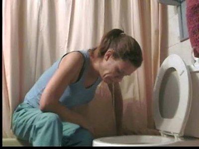 girl makes deepthroat puke video