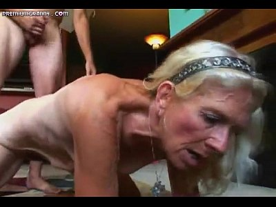 Mature hairy slut doing a great reverse cowgirl