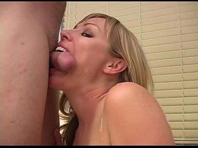Moms that spank