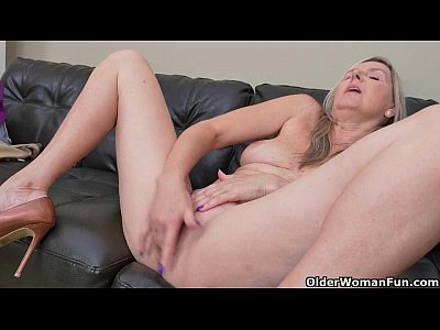 Milf Mature Cougar video: Blonde milf Velvet Skye drips her pussy juice on the couch
