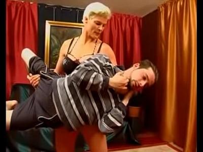 [ぽっちゃり]怪力のポッチャリギャルが男をリフトしてひどいことをします! あまりにもファットすぎるプランパー動画です。 anehta lift and carry - 1 min 1 sec