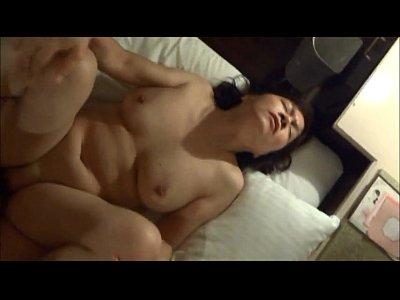 角質日本語熟女くいSomyamoaningファックと中出し6