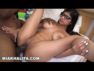 Bigblackcock Bigblackdick Bigboobs video: MIAKHALIFA - I am a sucker for a QB (mk13777)