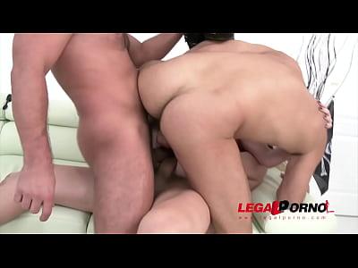 Тройной анальный секс на Хэллоуин