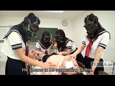 ガスマスクを付けたセーラー娘姿の娘達に犯されるM男