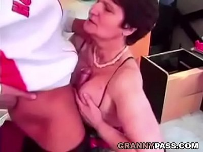 Bigcock Bigdick Blowjob video: Hairy Granny Likes Young Cock And Hard Fucking