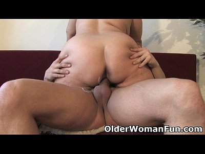 Milf Chubby Cumshot video: Chubby mature mom needs warm cum