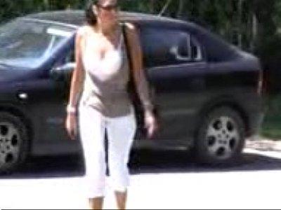 caiu na net o video do whatsapp da coroa gostosa que pagou boquete no marido no estacionamento do shopping em manaus amazonas