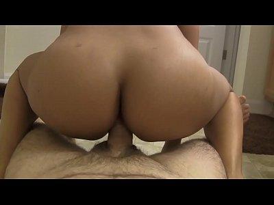 Porno amador morena gostosa dando e batendo punheta