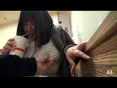[ぽっちゃり/コスプレ] 黒髪ぽっちゃり体型の女の子、メイド姿が可愛い!