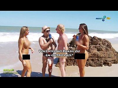 foto de coroa na praia de nudismo 1