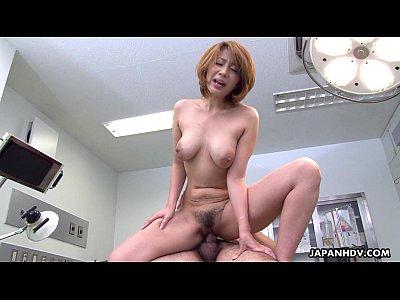 驚異的なアジア痴女乗り物コック床