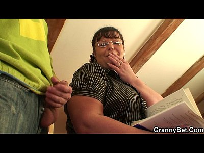 Grandma Granny Grannygames video: He picks up busty bookworm bitch for play