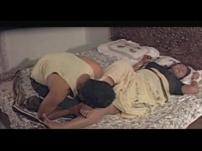 Vintage Softcore Indian video: CHINTHAMANI KANDAMANI Bedroom Scenes