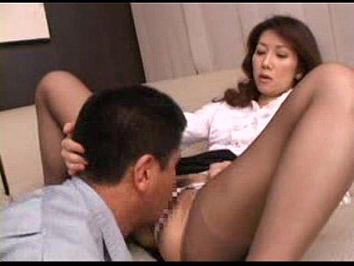 サド、マゾ両面もった人妻!場面でセックスを楽しみながらプレイする浮気カップル
