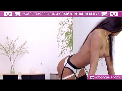 Pov Black 3d video: VR Bangers - Hot Ebony Pole Dancer Nadia Jay fingered by 2 buddies