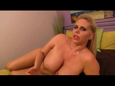 Son Bigtits Mommy vid: Karen Fisher - My step mother the nudist