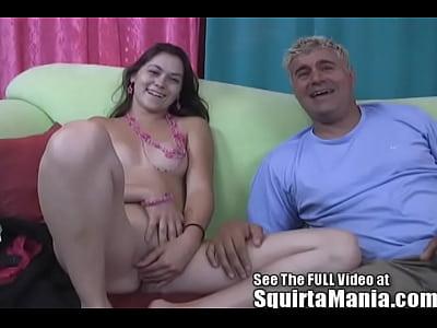 Kandi milano fa un po  di raw squirting per porno dan