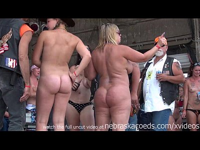 Time Girlfriend College video: hot body biker rally contest in algona iowa