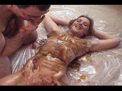 Lambuzando ninfeta de leite moça e fodendo gostoso