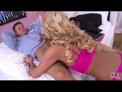 Bed Chelsey Cum video: Super Tall Blonde Sucks her Husband Like a Hoover