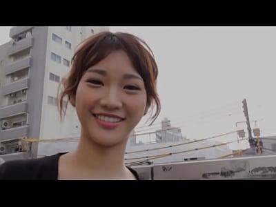 伝説のハメ撮り師・カンパニー松尾と濃厚な交尾を展開する若菜奈央