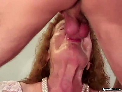 Hairy Hardcore Sex video: Granny loses her teeth while sucking