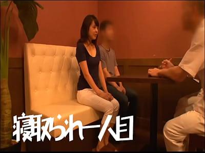 【エロ動画】《寝込み妻》ムッシュとあん摩店に来店した若奥様がないしょ事でナマ膣内射精ファックしてしまう
