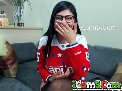 Mia Khalifa Webcam Porn Video Showing Her Big Tits For Her Funs