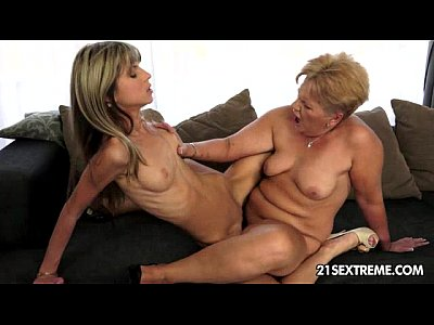 Fingering Teen Blonde video: My petite lover