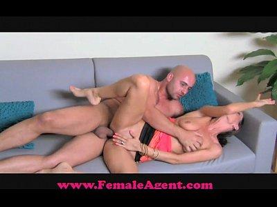 femaleagent grosso cazzo casting