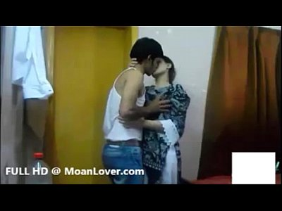 Aunty Bhabhi Boobs video: Sexy Indian Couple Hardcore Kissing