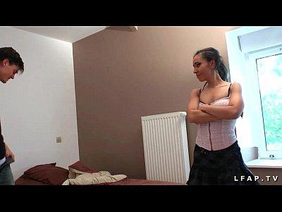 française petits seins