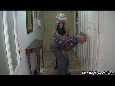 Threesome Milf Mature video: She fucks with his parents when he left