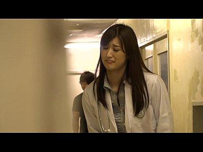 衝撃映像!綺麗な女医さんがおしっこを尿瓶の中にしたりエッチする姿を盗撮ww
