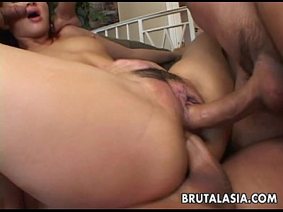 Hardcore Asian Japanese video: Seductive Japanese hottie fucks with four horny dudes