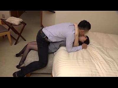 爆乳駅員のエロ動画