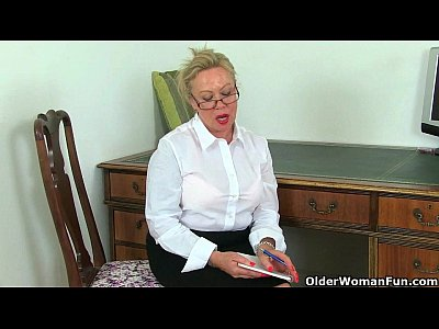 Britishmilf Cougar Englishgranny video: Britain's sexiest milfs part 33
