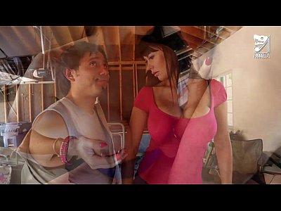 Porno mexicano exterminator seduces the hottest milf with big tits eva karera