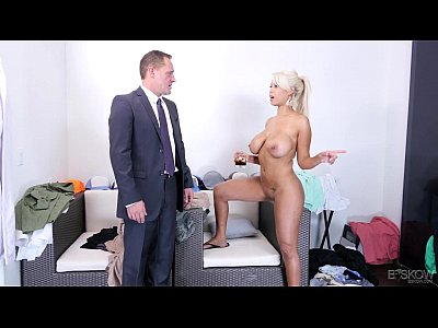 Секс с агентов по недвижимости