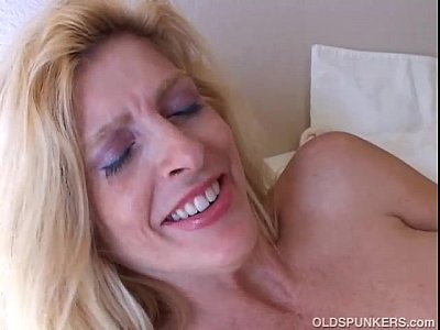 Big Tits Blonde Milf In Stockings
