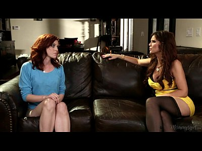 Fingering Licking Kissing video: Mommy Syren De Mer and her Step-daughter Emma Evins