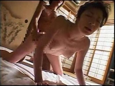 和室にて、五十路の熟女、まり子出演の潮吹き無料おばさん動画。熟女の川奈まり子が和室で潮吹きセックス!